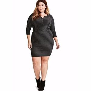 Torrid black and gray dress size 0